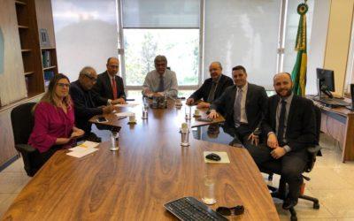 Em visita ao ministério Sinfranco discute renovação contratual